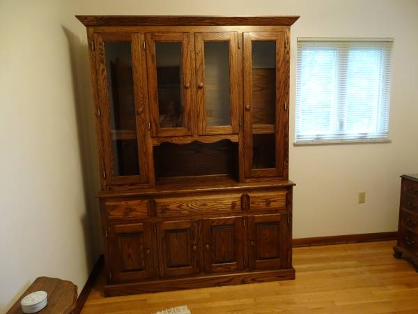 Photo Oak Dining Room Set - $2,750 (North Huntingdon)