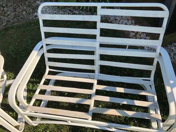 Photo Outdoor Furniture-Aluminum - $50 (Evans City)