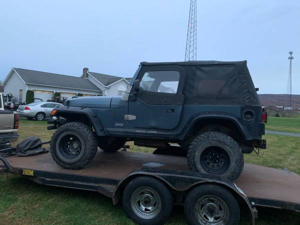 Photo Parting out a 1997 Jeep Wrangler Tj 2.5 5 speed - $1 (Seward)