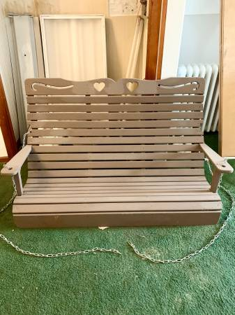 Photo Pick up today HUGE solid wood 3 person swing great condition - $145 (Oakland)