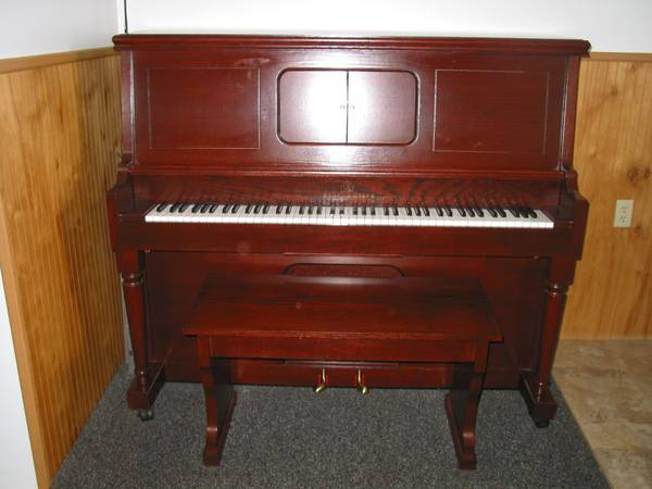 Photo Player Piano 1995 Story  Clark Limited Edition with 600 Rolls - $5000 (Pittsburgh Spring Hill)