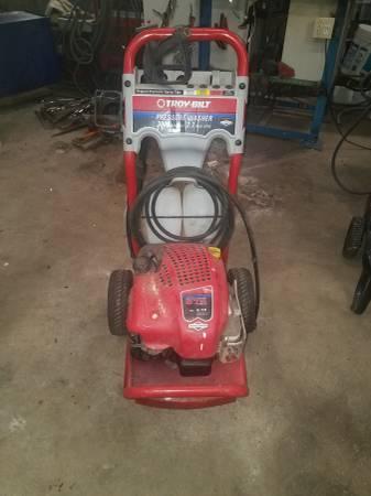 Photo Pressure washer troy bilt Briggs and Stratton 3000 psi - $140 (Cheswick pa)