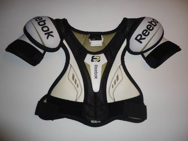 Photo Reebok SC87 10 Sidney Crosby Hockey Shoulder Pads - Youth YT Large - $15 (New Kensington)