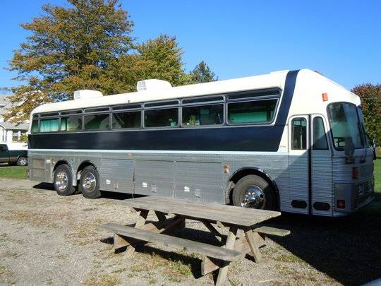 Photo Silver Eagle Bus - $30000 (Warren, OH)