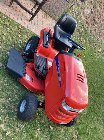 Photo Simplicity lawn tractor - $920 (Whitehall)