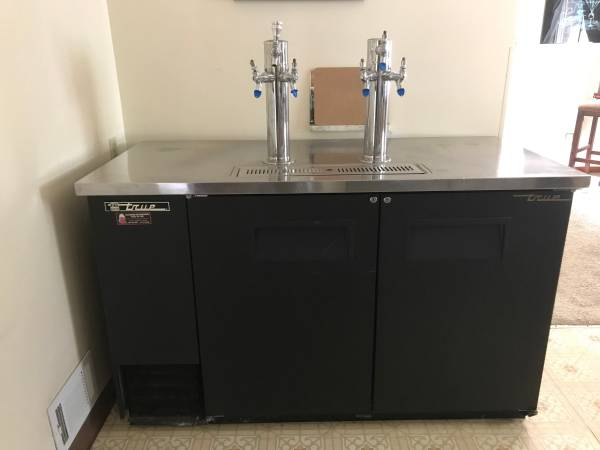 Photo True TDD-2 Six-Tap Draft Beer Cooler with C02 Tank - $1800 (Pittsburgh)