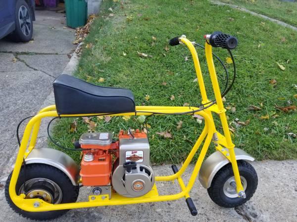 Photo Vintage Old School Mini Bike - $350 (Ambridge)