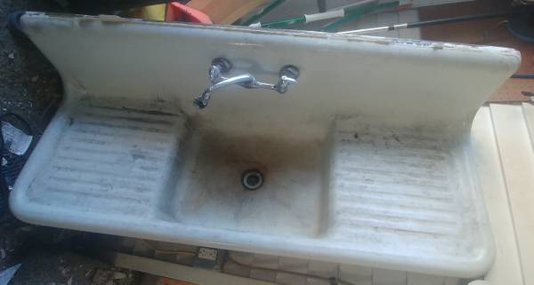 Photo Vintage kitchen porcelain sink with Faucet - $400 (Baldwin)