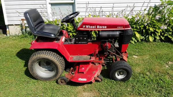 Photo Wheel Horse 312-8 tractor 42in side discharge deck - $1,350 (Butler Co.)
