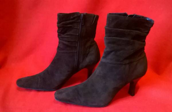 Photo White Mountain Water Resistant Suede Boots Ruching Style Size 7.5 - $10 (Hankey Farms)