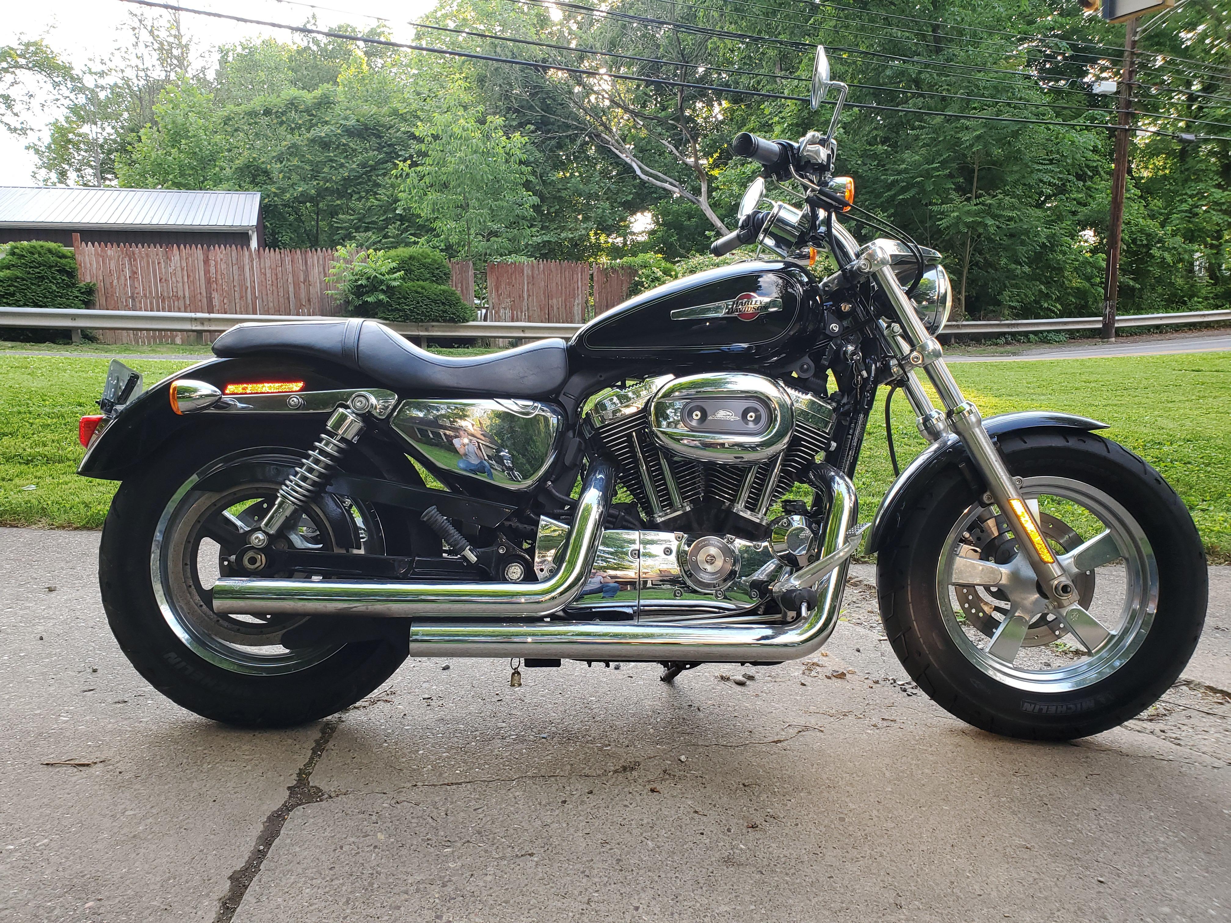 Photo 2012 Harley-Davidson SPORTSTER 1200 CUSTOM $129.03129.03