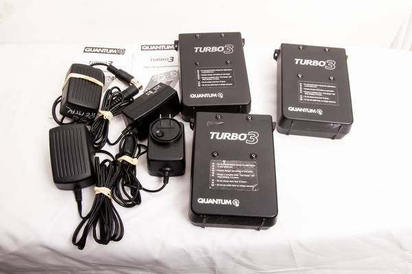 Photo set of 3 - quantum turbo 3 battery power packs with chargers - $550 (Pittsburgh)