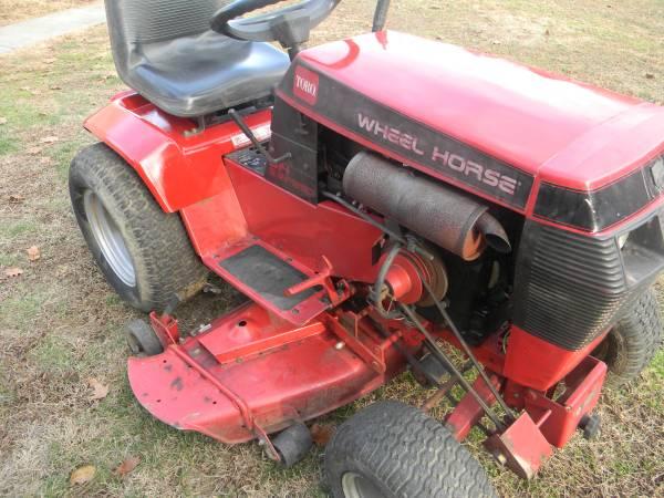 Photo wheel horse tractor - $750 (beaver county)