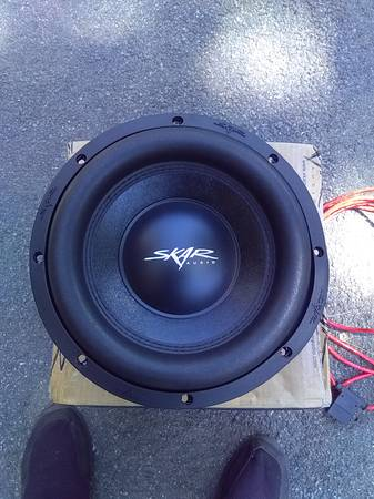 Photo 10quot SKAR SVR 10 D4 1600 watts peak .audio subwoofer  wire - $100 (Morrisonville)