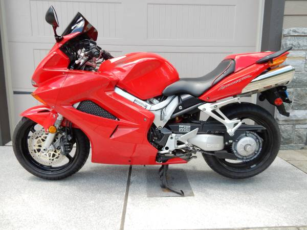 Photo 2002 Honda VFR800 Interceptor - $2,500 (Port Kent, NY)