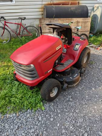 Photo 22 hp craftsman 42 inch cut lawn tractor with snow blower attachments and traile - $600 (Altona)
