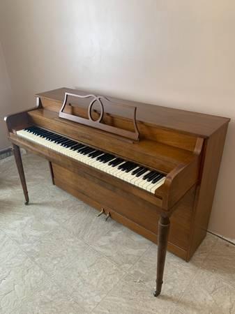 Photo A Hammond Piano - $250 (Plattsburgh)