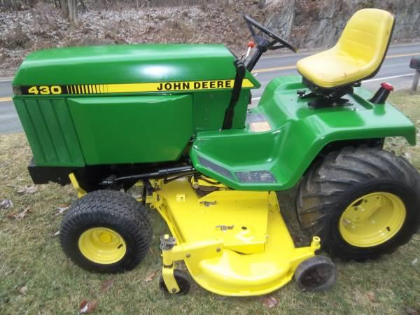 Photo John Deere 430 Garden Tractor - $3425 (williston)