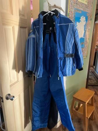 Photo Ladies snowmobile suit - $100 (Wilmington)