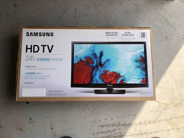 Photo New, never out of the box Samsung HDTV 24 TV - $65 (Hooksett)