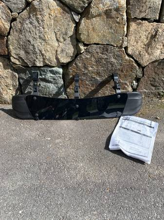 Photo Thule 870XT 32quot Fairing Reduce Roof Rack WhistleNoise Like New - $80 (Amherst, NH)
