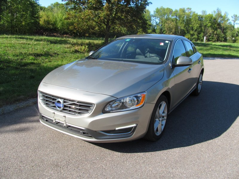 Photo Used 2015 Volvo S60 T5 Premier for sale