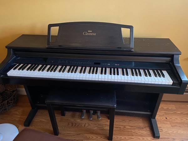 Photo Yamaha Clavinova Piano CLP 511 - $750 (NORTH HAMPTON)