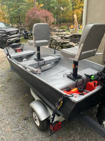 Photo 12ft aluminum sears boat with trailer and 6hp hangkai - $2,200 (Milford)