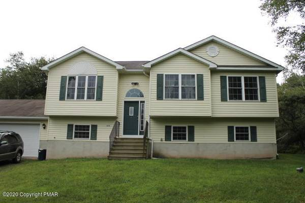 Photo $197,000 Nice home located in Indian Mountain Lakes on an acre of land
