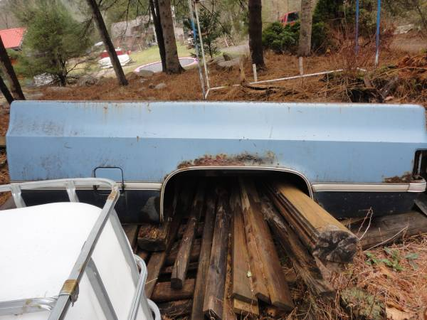 Photo 1985 Chevy 8FT Bed Parts or Repair - $200 (Lehighton pa 18235)