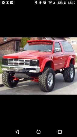 Photo 1991 s10 Blazer (custom) 19k obo - $19,000 (Hazleton)