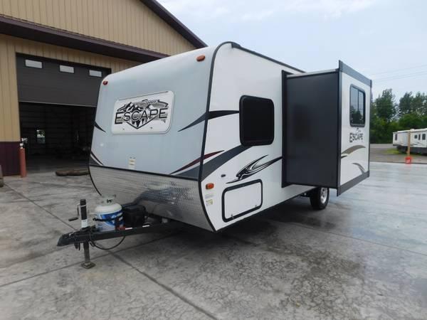 Photo 2015 15 KZ Spree Escape E196S Travel Trailer Cer Bunk - $15,500 (Williamson)