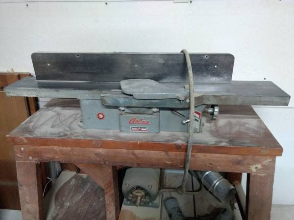 Photo Antique atlas 6-inch jointer-planer - $100 (Stroudsburg)