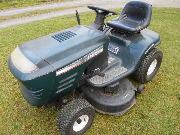 Photo Craftsman Lawn Mower Tractor - $275 (Cresco)