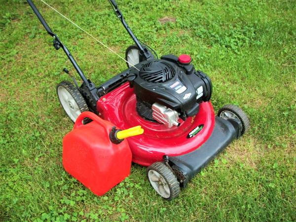 Photo Craftsman Lawn mower runs great - $195 (PA)
