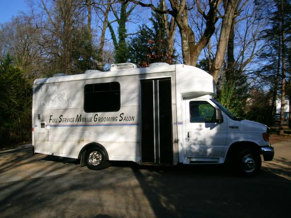 Photo MOBILE GROOMING VAN  TRUCK - USED - FOR SALE - $27,000 (West Chester, PA)