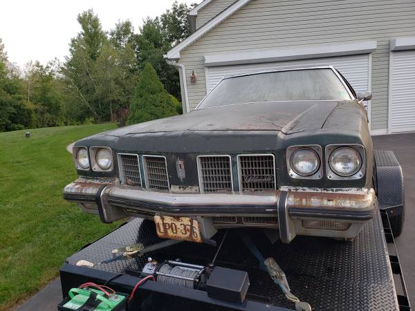 Photo Parting out 75 Oldsmobile Delta 88 coupe - $11,111,111 (Reeders)