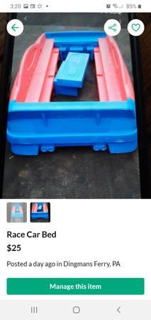 Photo Race car bed - $25 (Dingmans Ferry)
