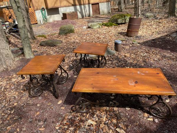 Photo SET of 3 WOOD  IRON Coffee Table ENDTABLES 2 Bar Stools Chair - $30 (Pocono Lake)