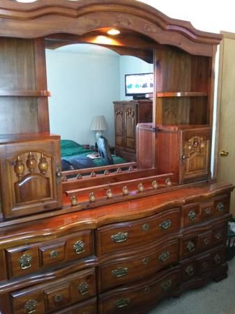Photo Solid Wood Bedroom Set- Armoire Dresser Hutch - $800 (Bushkill)