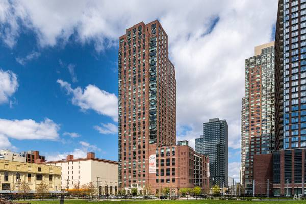 Photo The One JC- Let me refer you for a 12 month lease - $1000 bonus (Jersey City)