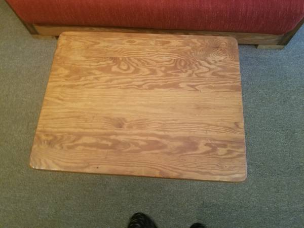 Photo This End Up Coffee Table - $25 (Wallenpaupack Lake Estates)