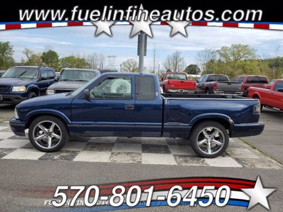 Photo Used 1999 GMC Sonoma 2WD Extended Cab for sale
