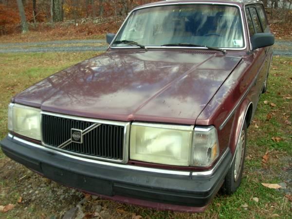 Photo Volvo 240 Parts (Saylorsburg)
