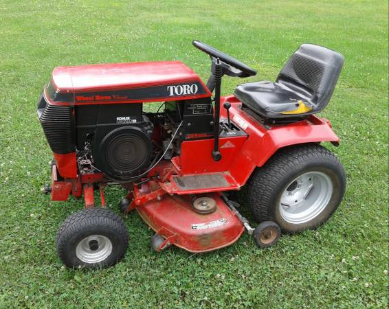 Photo Wheel Horse 312-8 Garden Tractor with Mower Deck - $795 (Honesdale PA)