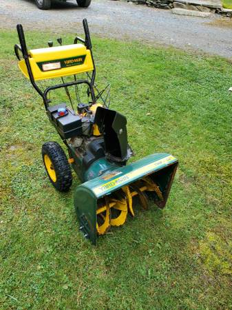 Photo Yard man 24quot snow thrower works great - $220 (Milford pa 18337)