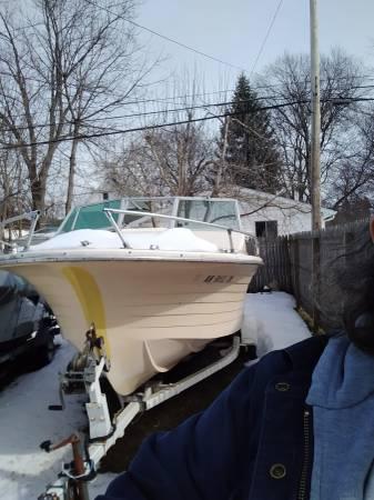 Photo 1972 boat needs work - $400 (Port huron)