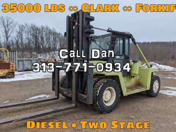 Photo 1987 Clark Forklift Two Stage Pneumatic Tire 4 Wheel Sit Down (Detroit)