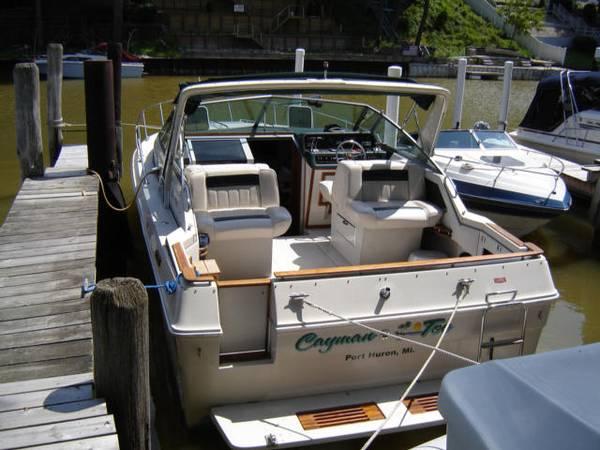 Photo 1988 3039 Sea Ray Weekender Series 300. - $19,900 (Port Huron)
