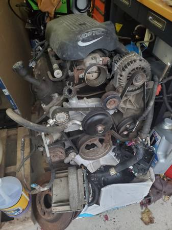 Photo 2002 Silverado LS 6.0 LQ4 Engine  Motor and Harness - $850 (Marysville)
